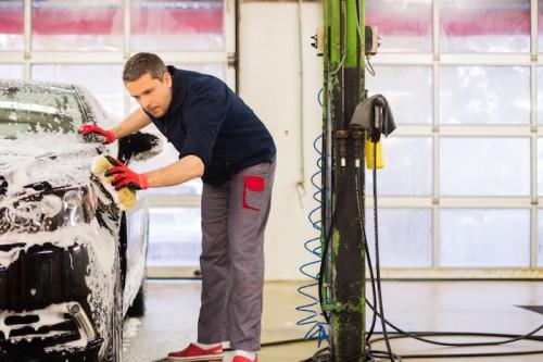 Autopflege – Befreien Sie Ihr Fahrzeug von Schmutz