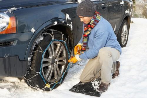 Schneekette allein genügt nicht: Reifenvorschriften und richtiges Fahrverhalten im Winter