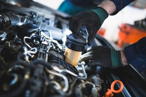 Der Kraftstofffilter – Wann muss er gewechselt werden und wie geht das?
