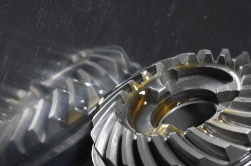 Notwendiger Ölwechsel: warum auch das Getriebe ab und an neuen Schmierstoff benötigt