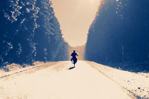 Motorradfahren im Winter: machbar oder verantwortungslos?