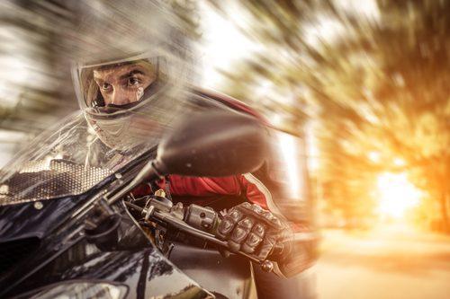 Motorradhelme im Test – neue Helme und neue Technik für Motorradfahrer