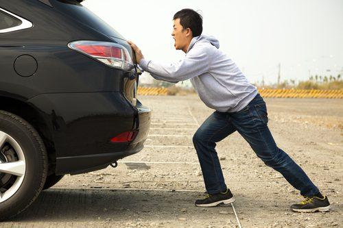 Das Auto springt nicht an – der Anlasser ist defekt! Ein Ratgeber, wie Sie den Anlasser wieder reparieren.