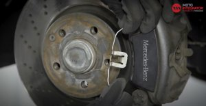 Bremsscheiben wechseln - Mercedes Benz C