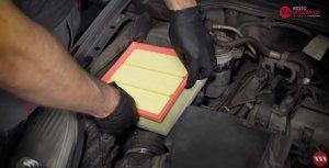Luftfilter wechseln - FIAT Grande Punto